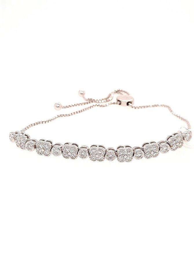 Diamond (0.91 ctw) flower bolo bracelet, 14k white gold