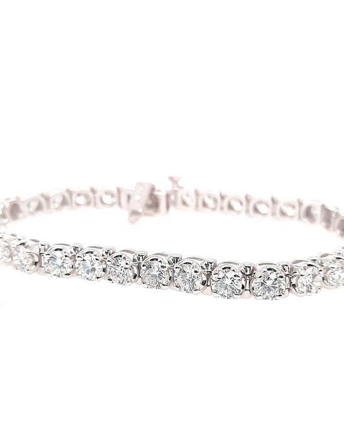 Diamond (9.71 ctw) tennis bracelet, 18k white gold