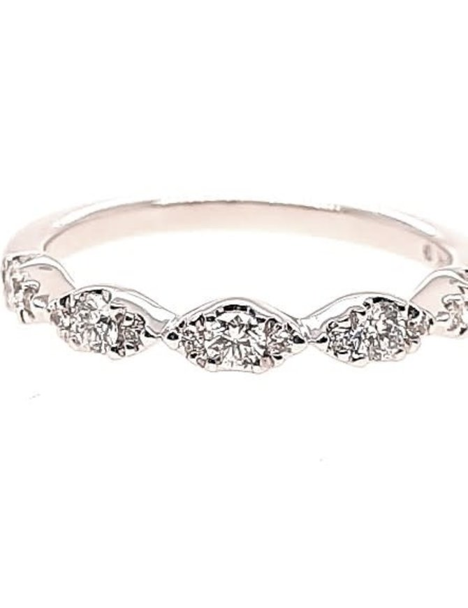 Diamond (0.31 ctw) marquise look band, 14k white gold
