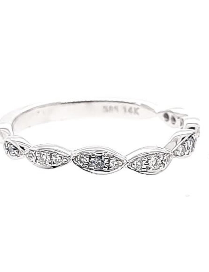 Diamond (0.12 ctw) marquise look band, 14k white gold