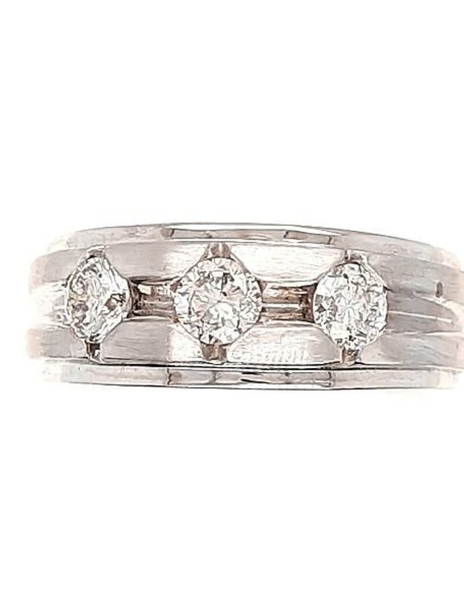 3-diamond (0.95 ctw) band, 14k white gold