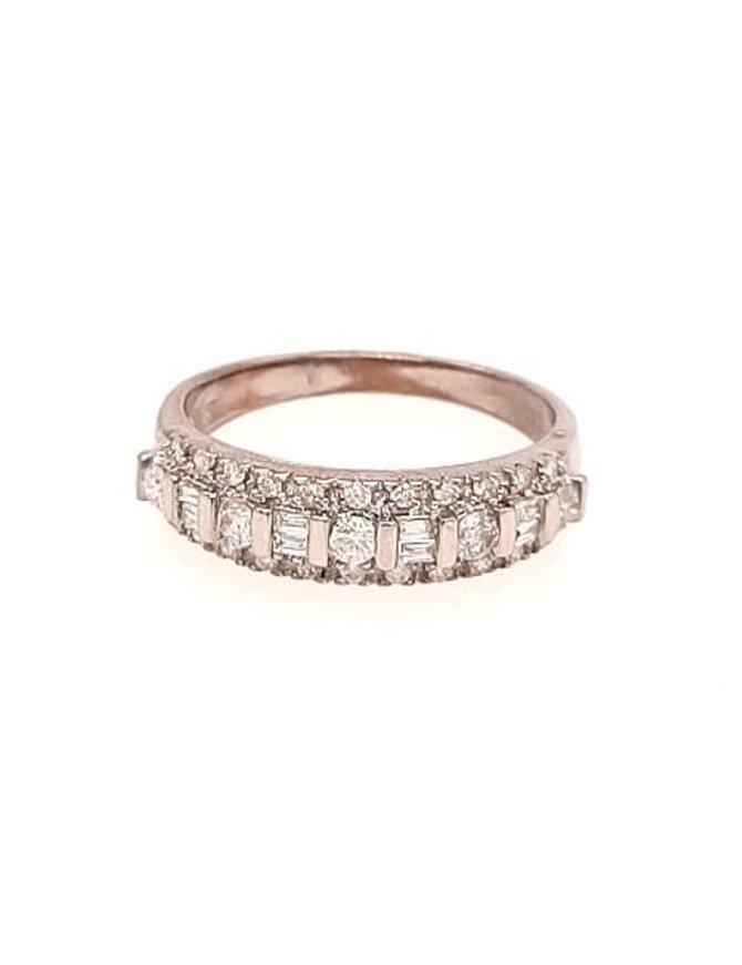 Round & baguette diamond (0.50 ctw) band, 10k white gold 3.0 grams