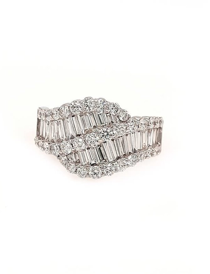Round & baguette diamond (2.05 ctw) ring, 14k white gold