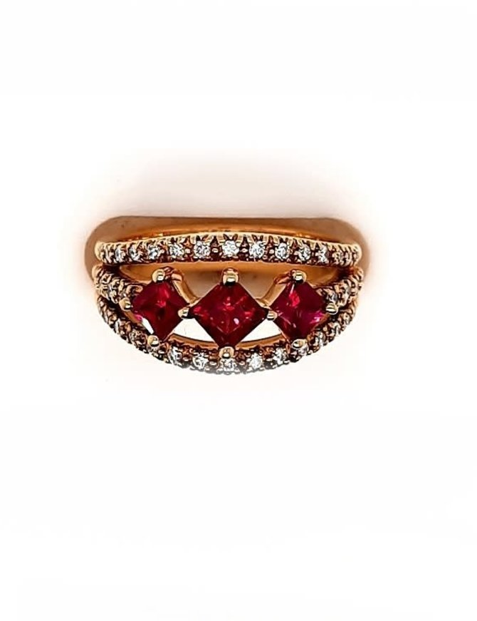 Ruby (1.27 ctw) & diamond (0.34 ctw) ring, 18k rose gold