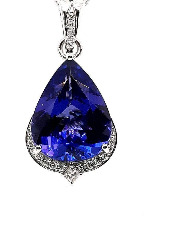Tanzanite (9.65 ct) & diamond (.017 ctw) pendant, 18k white gold, 3.51