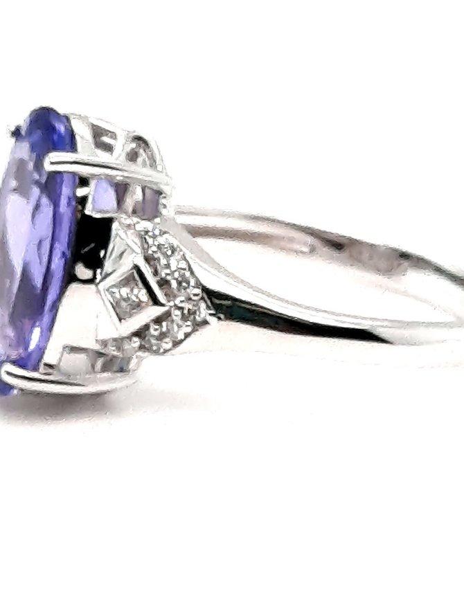 Tanzanite (4.45 ctw) & diamond (0.15 ctw) ring, 14k white gold, 3.4g