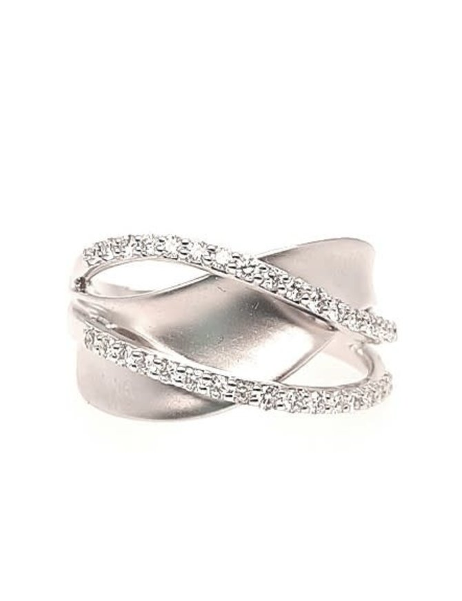 Diamond (0.38 ctw) crossover sculpted ring, 14k white gold