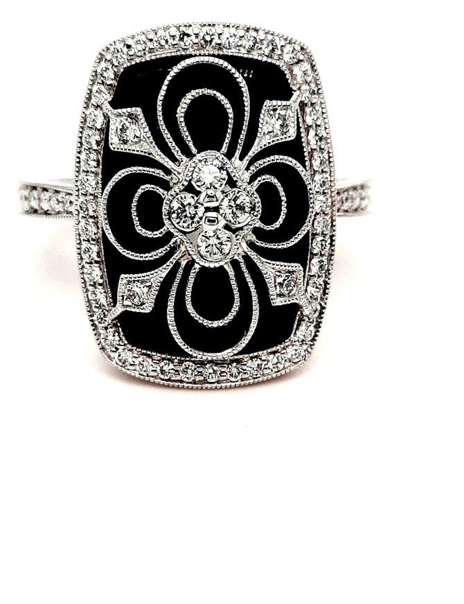 Onyx and diamond (0.44ctw) ring, 14k white gold
