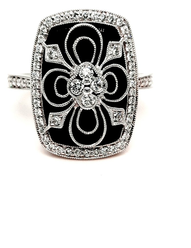 Onyx and diamond(0.44ctw) ring, 14k white gold