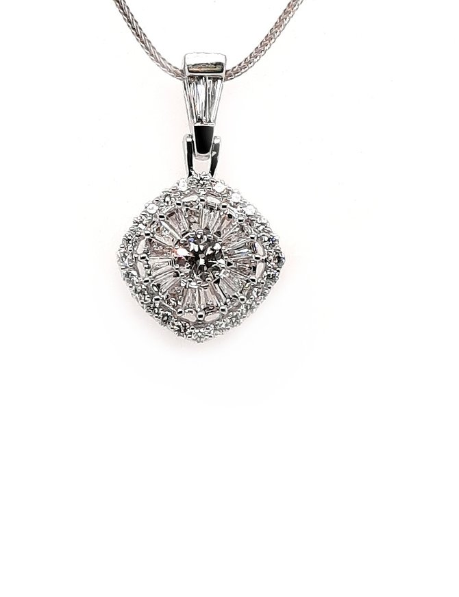 Diamond (1.58 ctw) pendant 14kt white gold, chain not included