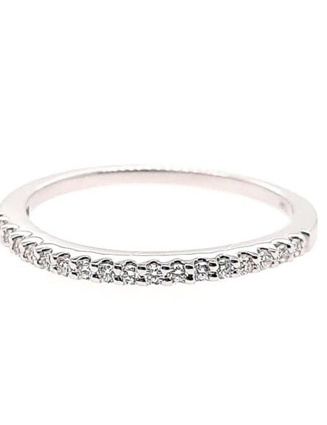 Diamond (0.15 ctw)  prong set band, 14k