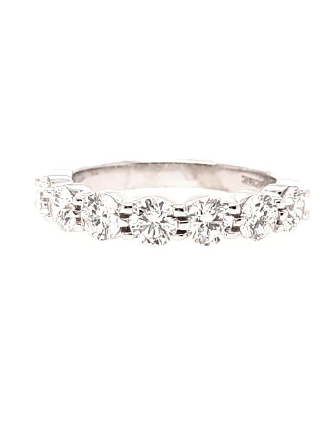 Diamond(1.50ctw) 7 stone band ring, 14k white gold