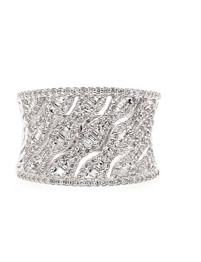 Diamond (0.73 ctw) fashion ring, 18k white gold