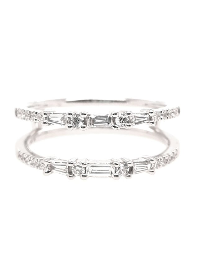 Baguette & round diamond (0.38 ctw) guard band, 14k white gold