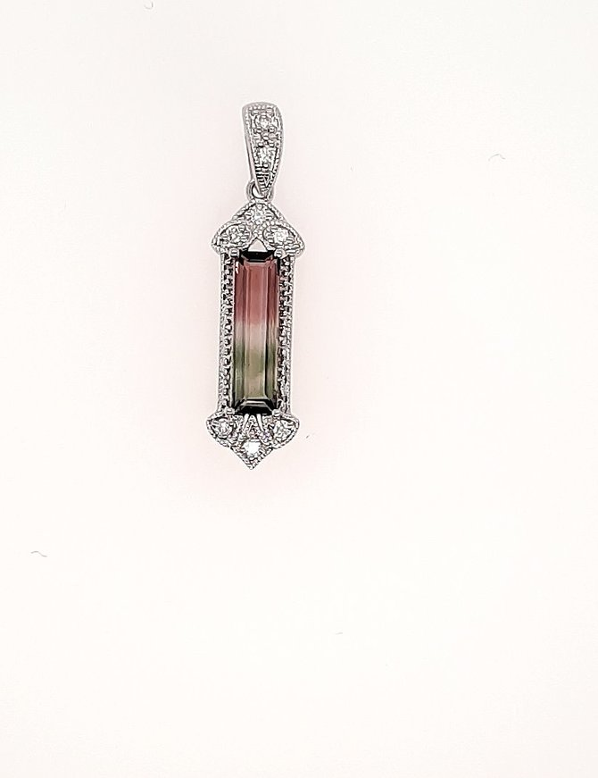 Watermelon tourmaline (1.61 ct) & diamond ( 0.07 ctw) pendant, 14k white gold