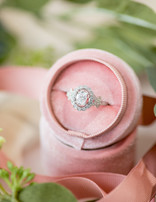 Oval diamond (0.45ctw, cz ctr) halo setting, 14k white gold