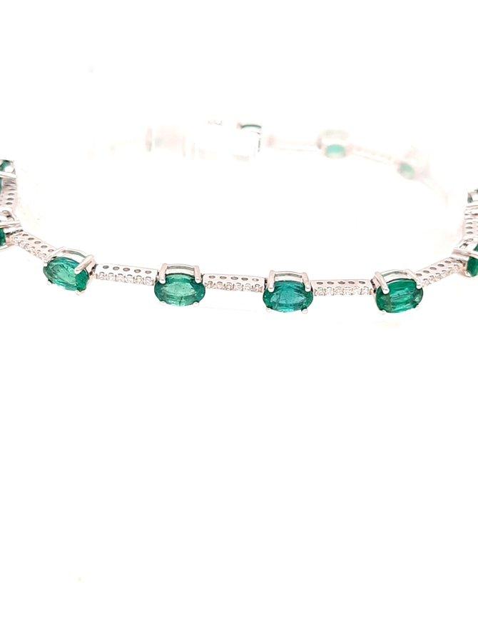 5.33ctw emerald 0.42ctw diamond bracelet 14k white gold