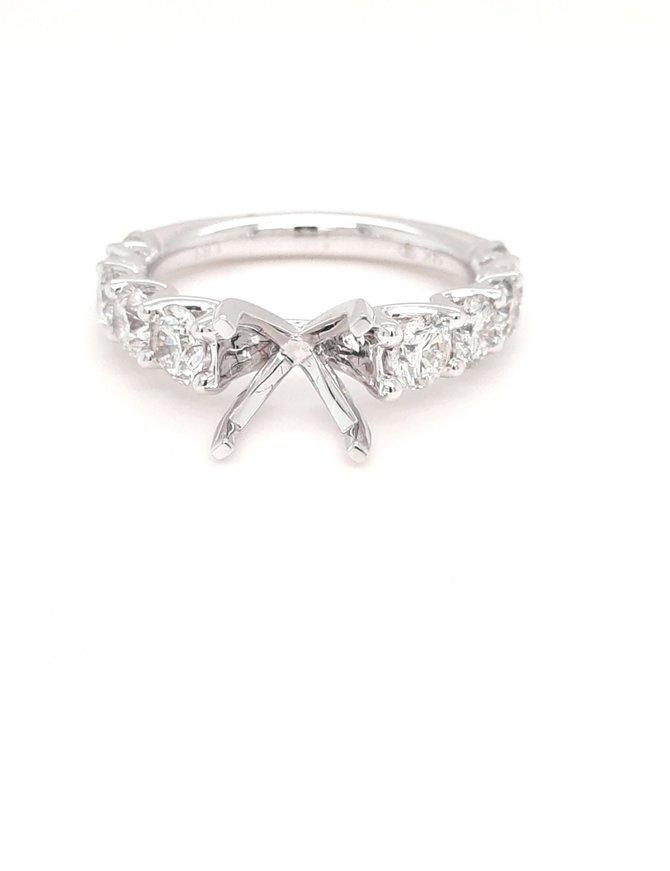 Diamond (1.83 ctw) graduated bridal setting 14k white gold