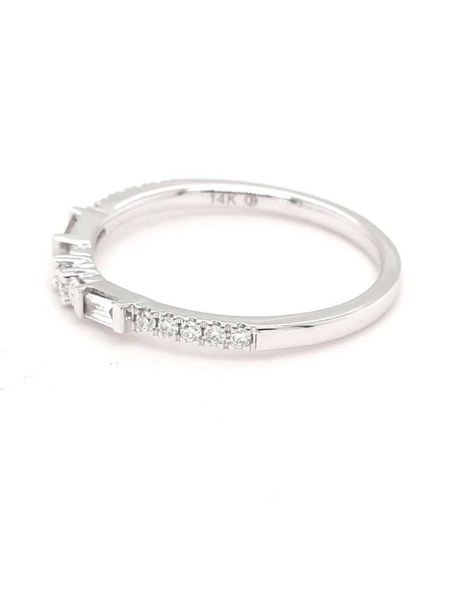 Diamond (0.25 ctw) round & baguette band, 14k white gold