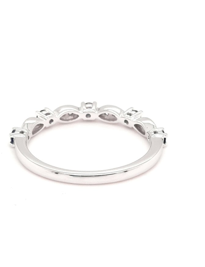 Sapphire (0.28 ctw) & diamond (0.05 ctw) band, 14k white gold