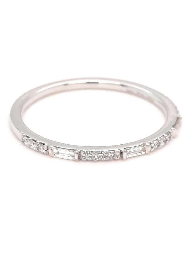 Diamond (0.15ctw) baguette/round stackable band 14k white gold