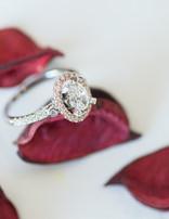Diamond (0.39 ctw) oval halo setting, 14k rose/white gold