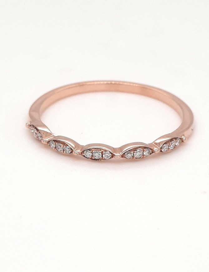 Diamond (0.08ctw) vintage look stackable band, 14k rose gold