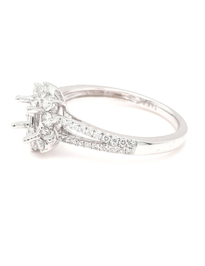 Diamond (0.51ctw) oval halo bridal setting, 14k white gold
