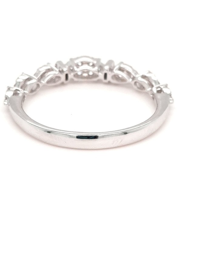 Diamond (0.42 ctw) cluster marquise look ring, 14k white gold