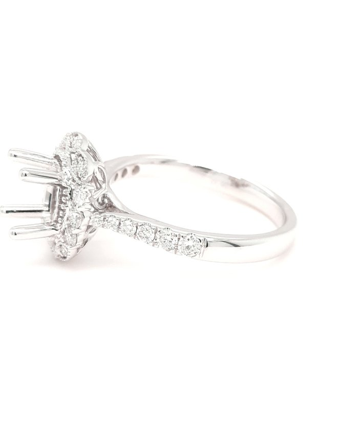 Diamond (0.42 ctw) classic oval halo setting, 14k white gold