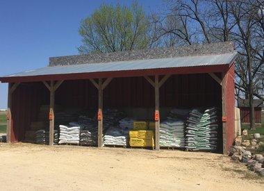 Bagged Mulch & Soil