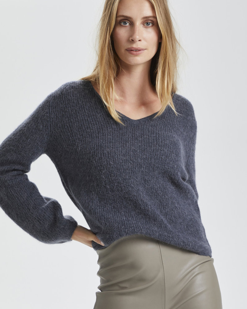 Soaked In Luxury Tuesday V-Neck Jumper