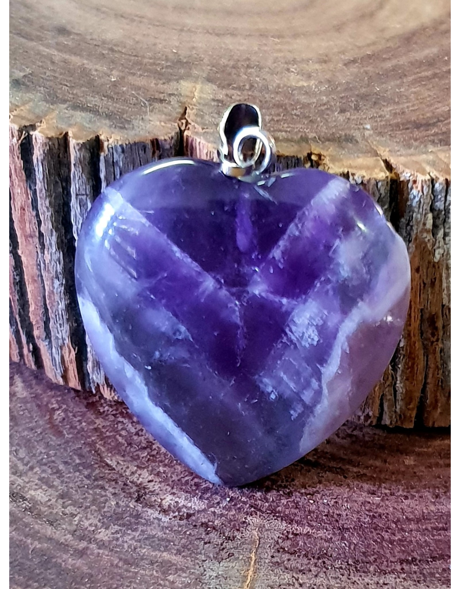 Silverstone Carved Crystal Pendant Heart - Amethyst