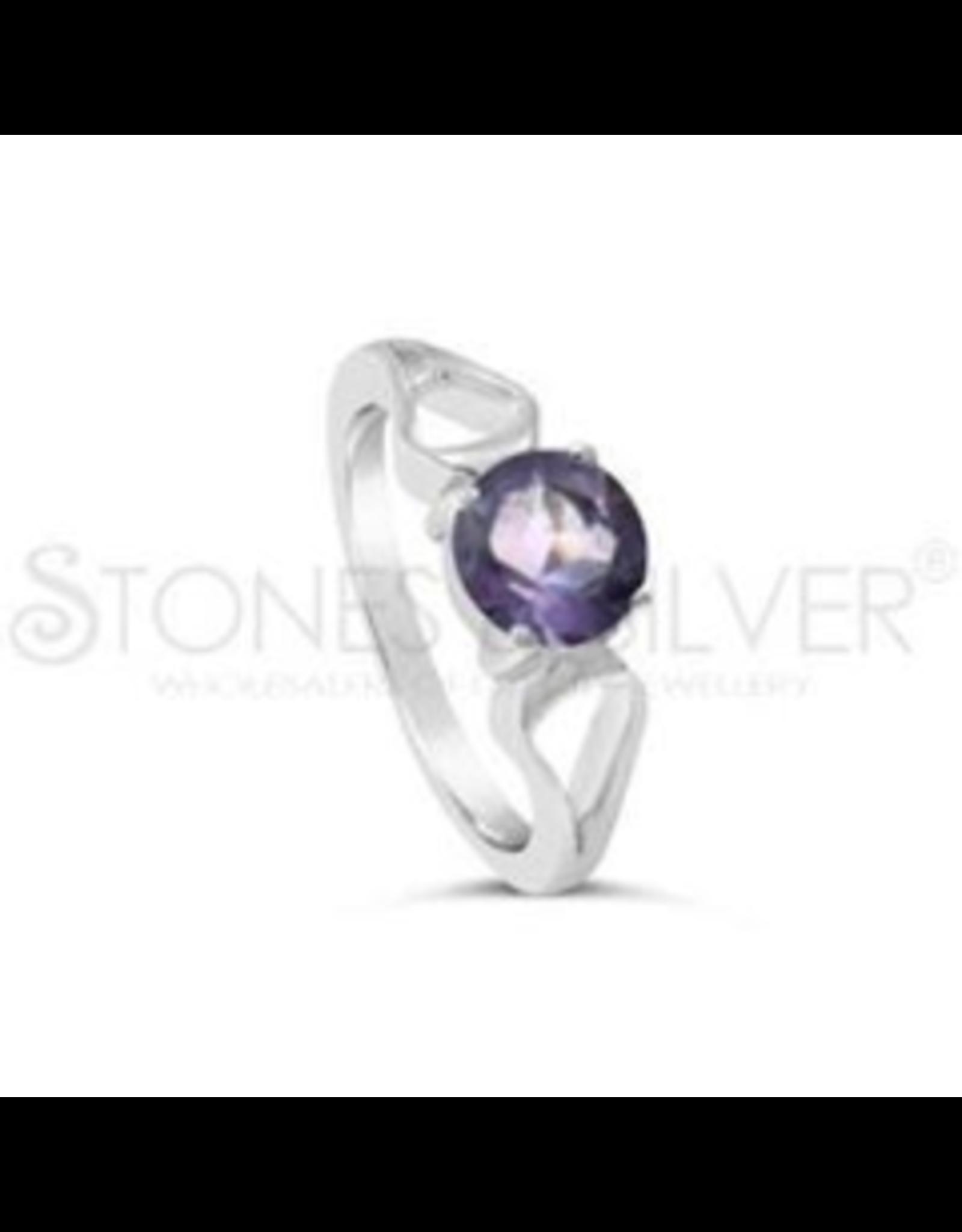 Stones & Silver Amethyst Ring 7 x 7mm