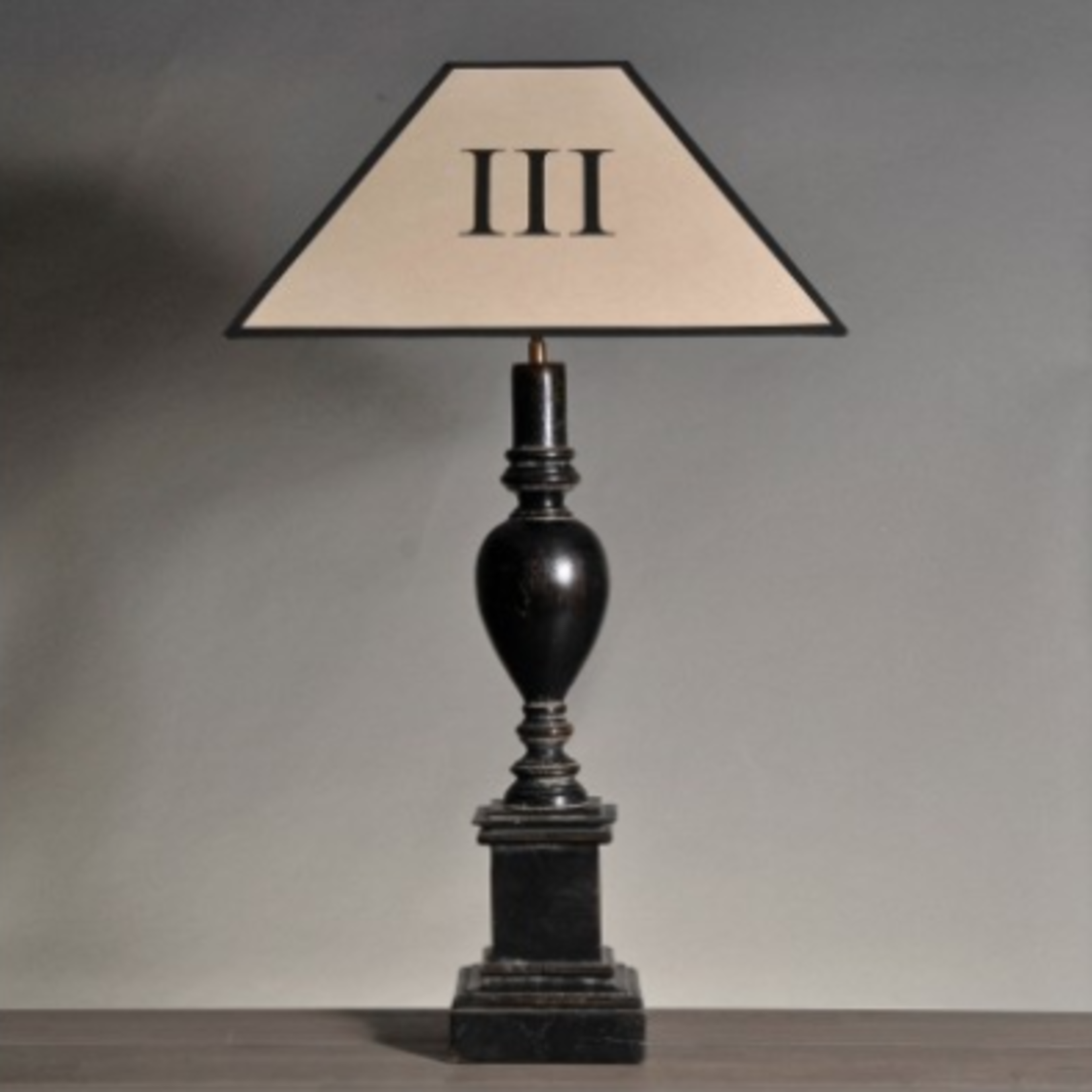 ATELIERS & CSD PEDESTAL LAMP WITHOUT LAMPSHADE