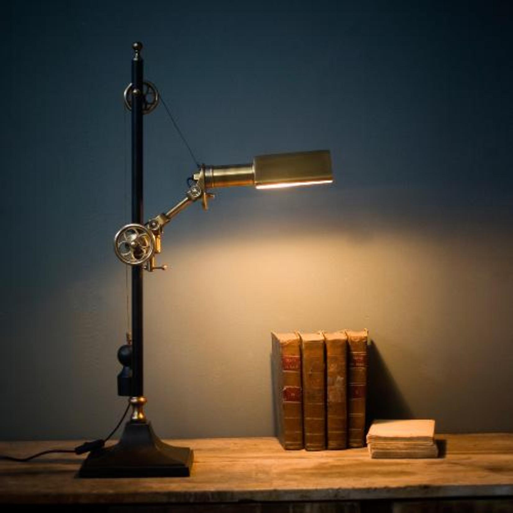 OBJET DE CURIOSITE LOCOMOTIVE LAMP TABLE