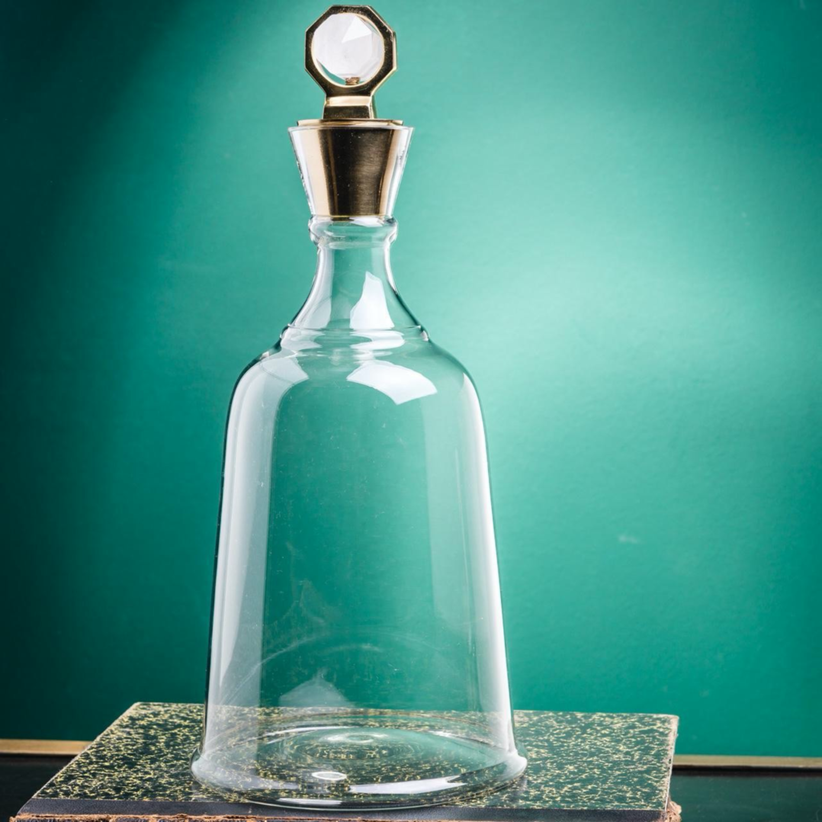 OBJET DE CURIOSITE HIGH GLASS DECANTER, BI-TERMINATED CRYSTAL LID