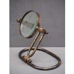 CHEHOMA MAGNIFIER BRASS PATINA ON OVAL STAND