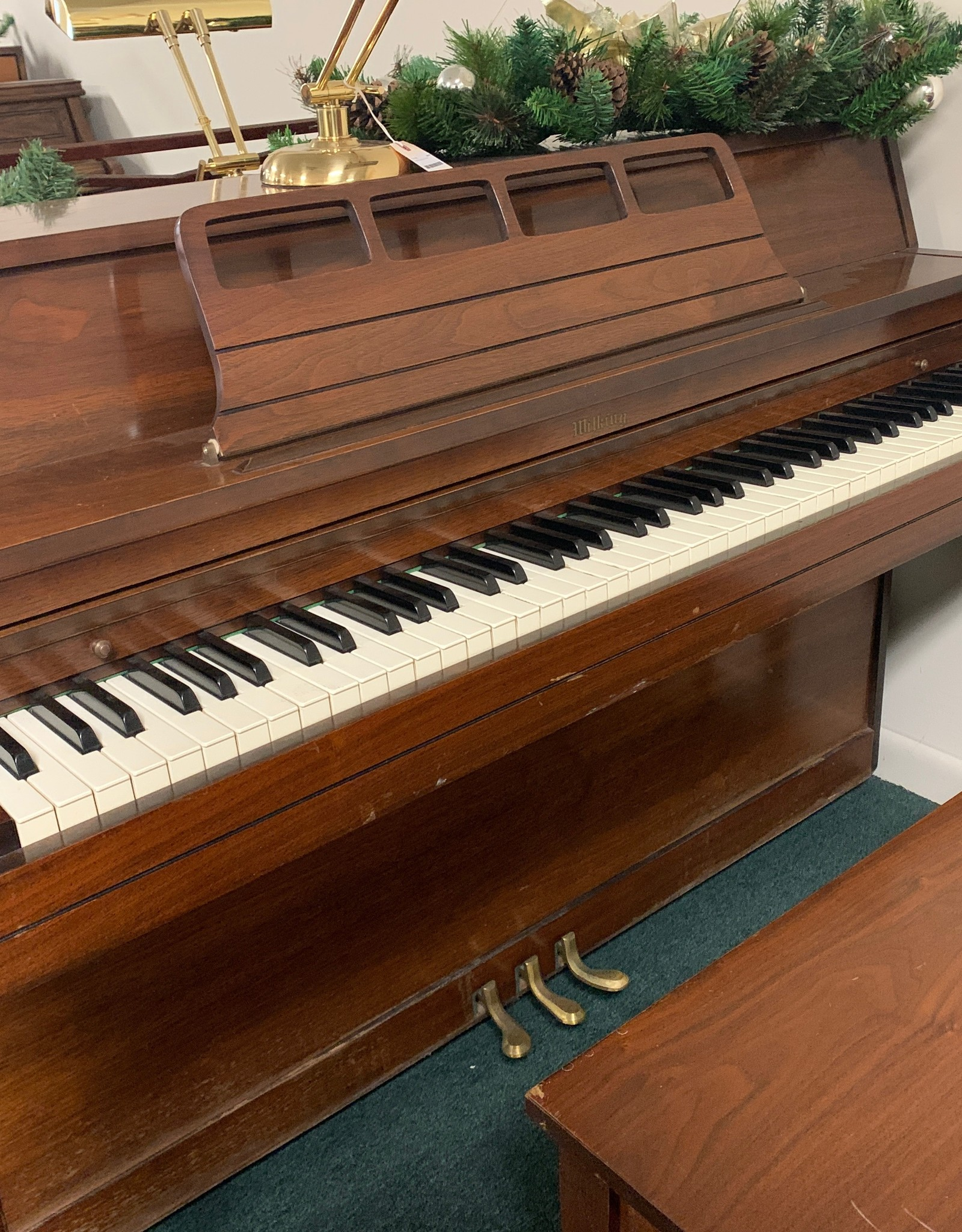 "Wilking Wilking Console 40"" Vertical Piano (Walnut) (pre-owned)"