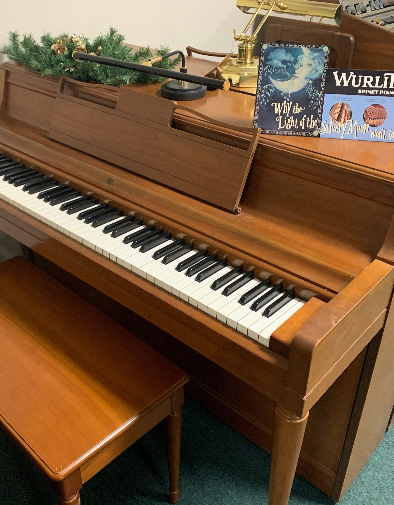 "Wurlitzer Wurlitzer Spinnet 37"" Vertical Piano (Pecan) (pre-owned)"