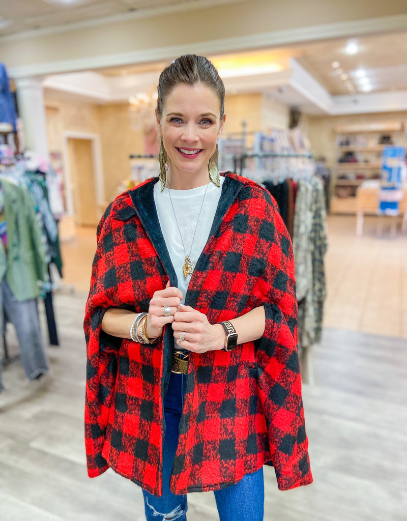 MOLLY BRACKEN Check It Out Plaid Cape