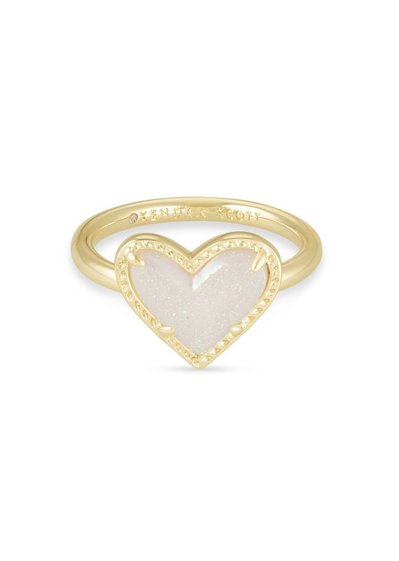 KENDRA SCOTT Ari Heart Gold Band Ring