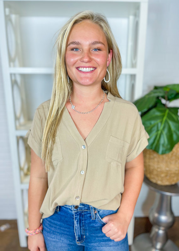 ALLIE ROSE Simple Button Down Top