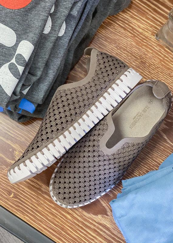 ISLE JACOBSON Tulip Falcon Sneakers