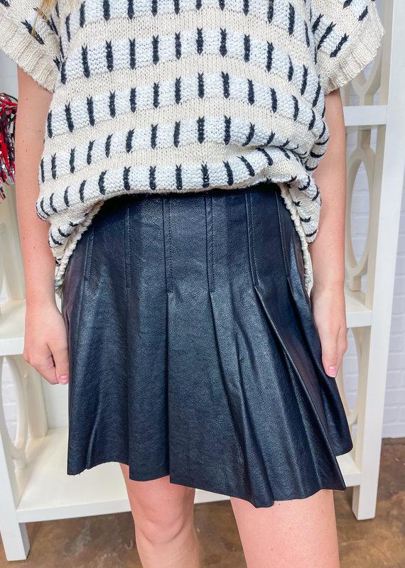 LE LIS Faux Leather Tennis Skirt