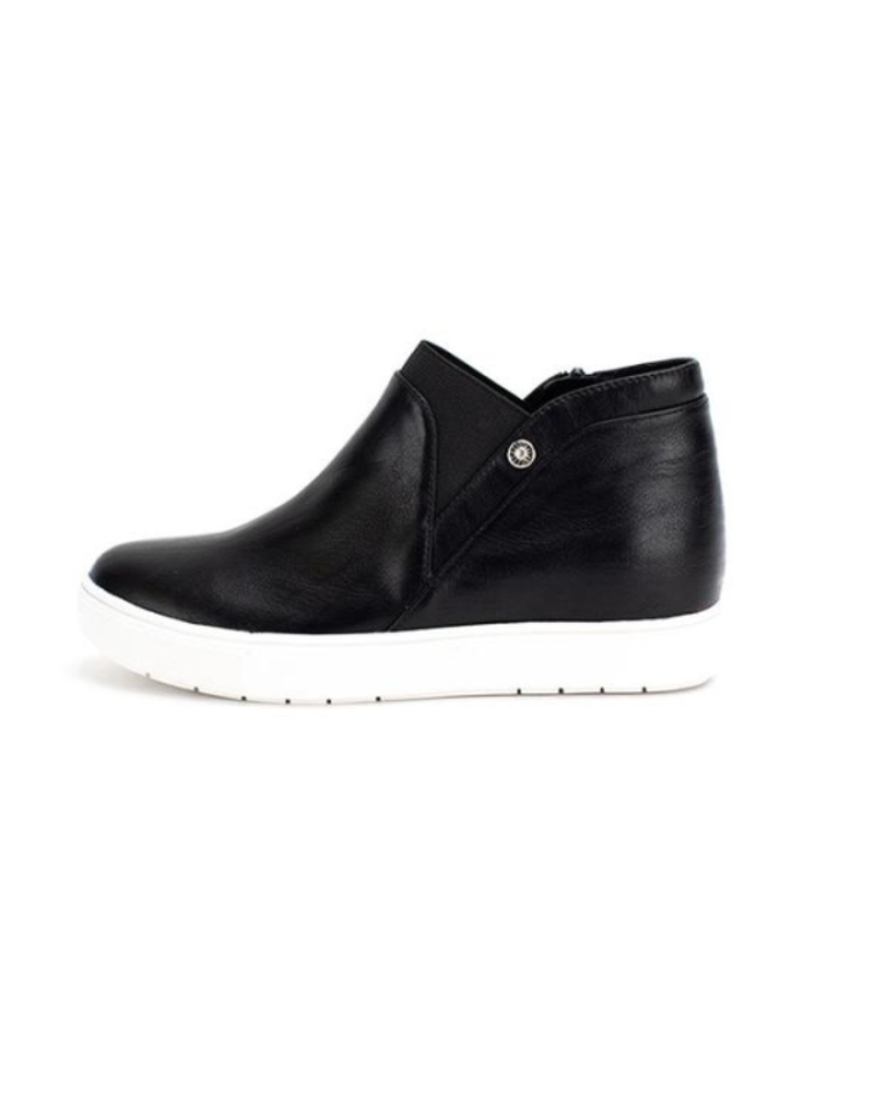 Yellowbox Shoes Textured vegan leather sneaker
