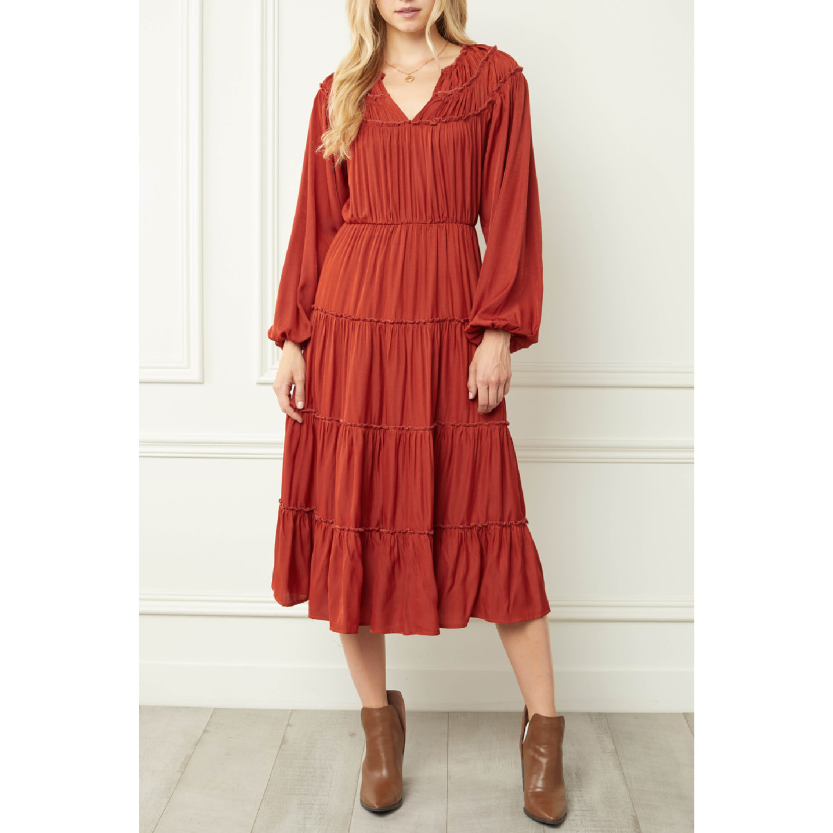 Entro Knee Length Tiered Dress