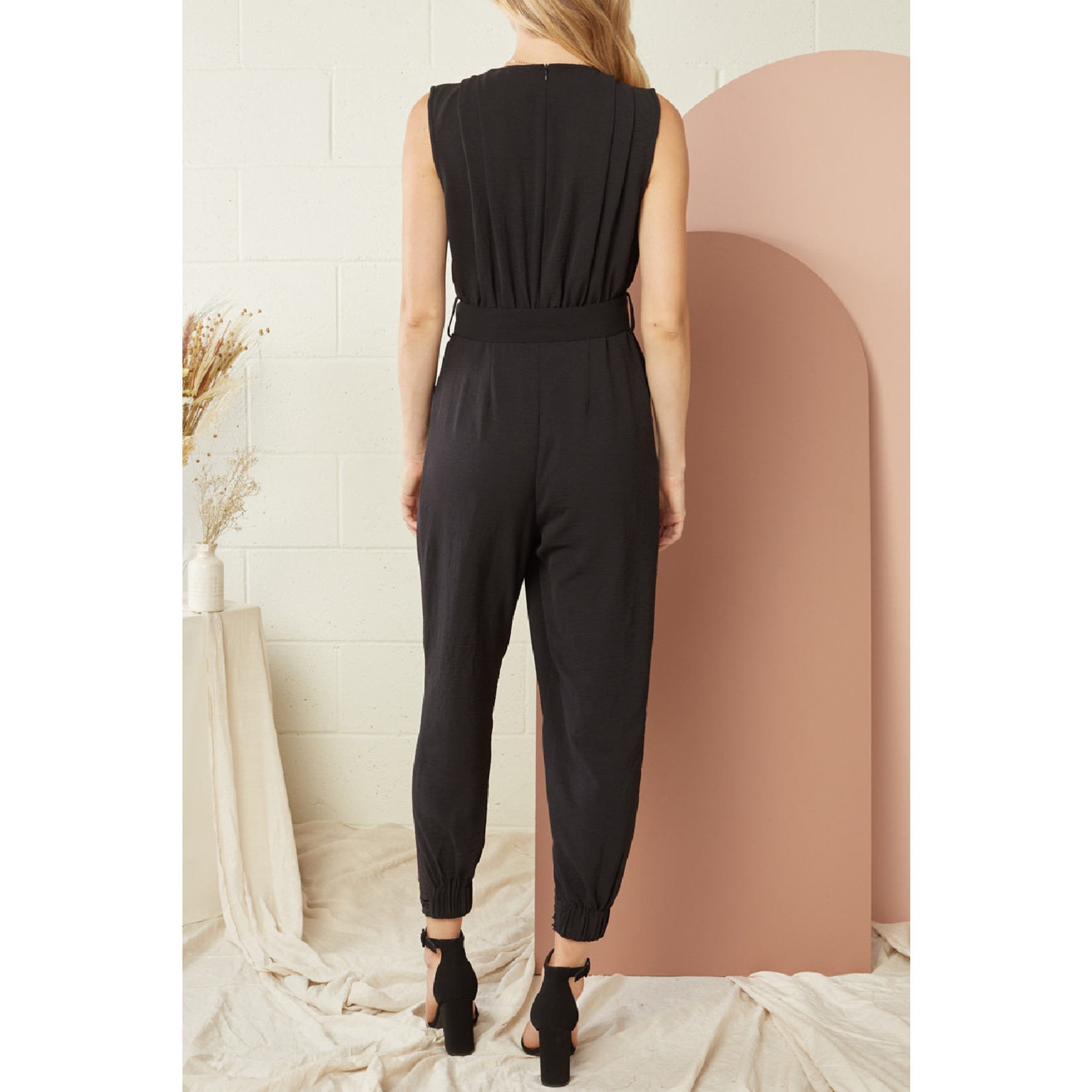 Entro Solid Sleeveless Jumpsuit