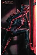 DC Comics CATWOMAN #25 CVR B LEE BERMEJO CARD STOCK VAR (JOKER WAR)