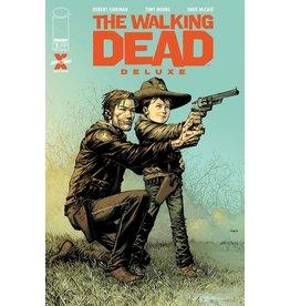 Image Comics WALKING DEAD DLX #5 CVR A FINCH & MCCAIG (MR)